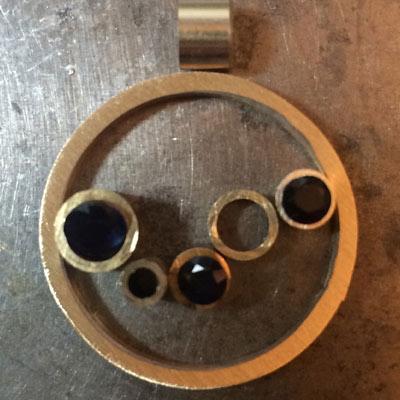 Sapphire-circle-pendant-layout-6.jpg