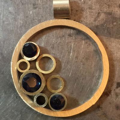 Sapphire-circle-pendant-layout-11.jpg