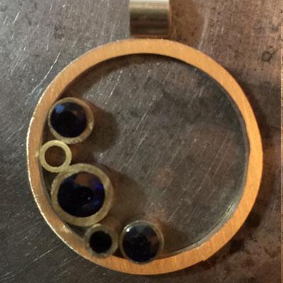 Sapphire-circle-pendant-layout-14.jpg