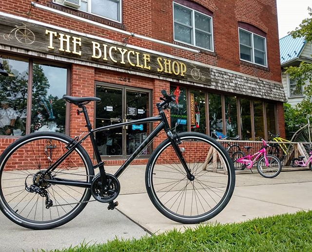 Back to School Bikes are here!  Looking for a great bike to get to class?  Check out the Giant Escape and Liv Alright!  Only $399 and backed by Central PA's largest bike shop! . @giantbicyclesusa  #backtoschool #psu #pennstate #happyvalley #statecollege #bike #bicycle #ridecentralpa