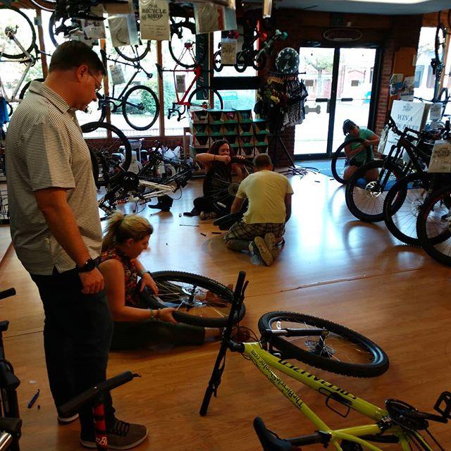 Action shot from last night's tire change clinic.  Always great giving people the confidence to do on the road repairs. . . #bikerepair #bikemaintenance #bikemechanic #flattire #flatfix #bike #bicycle