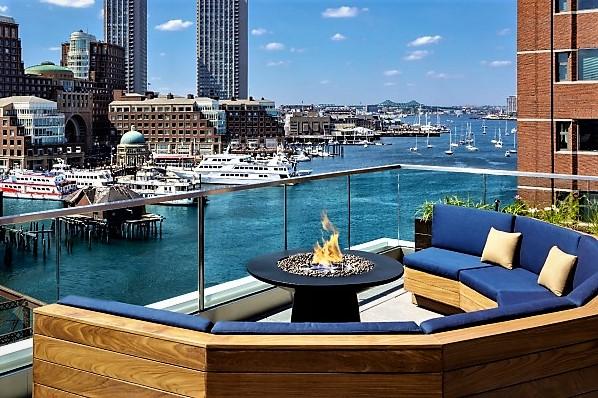 lookout-rooftop-boston-seaport.jpg