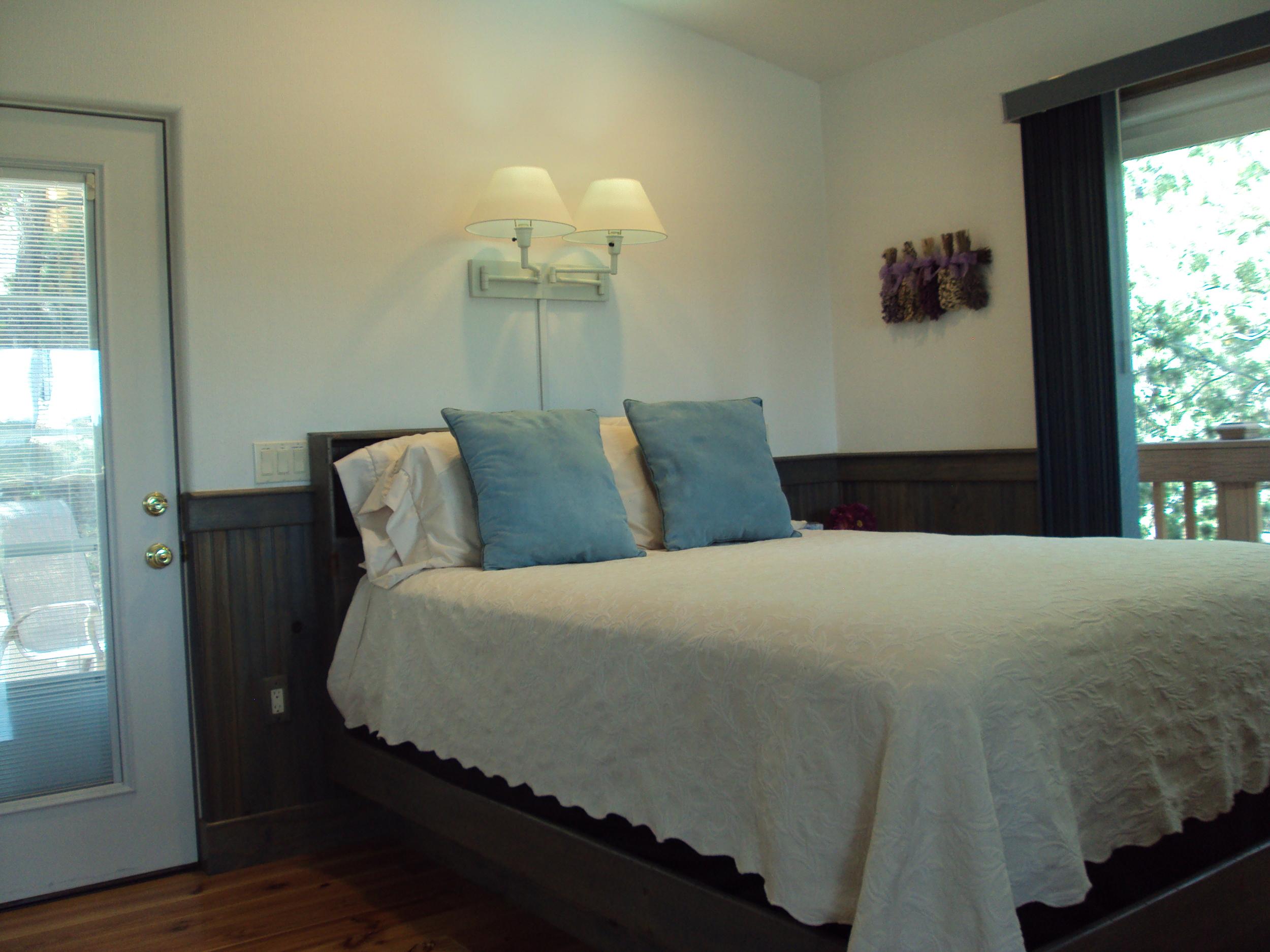 Spring/summer bedroom decor