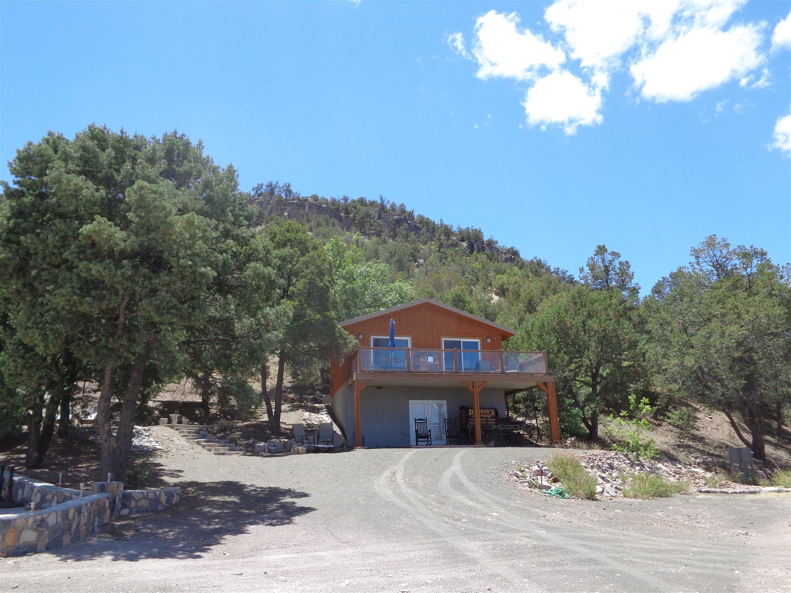lindauer cabin.jpg