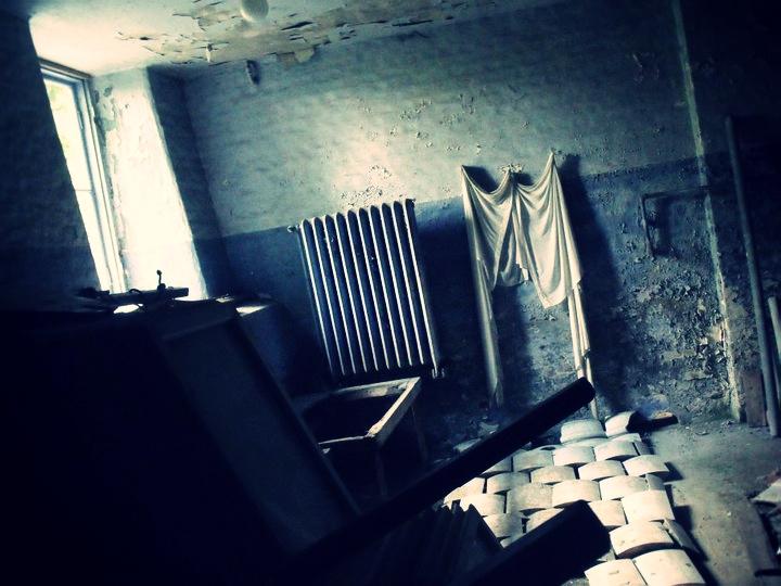 sommarland basement 1_effected.jpg