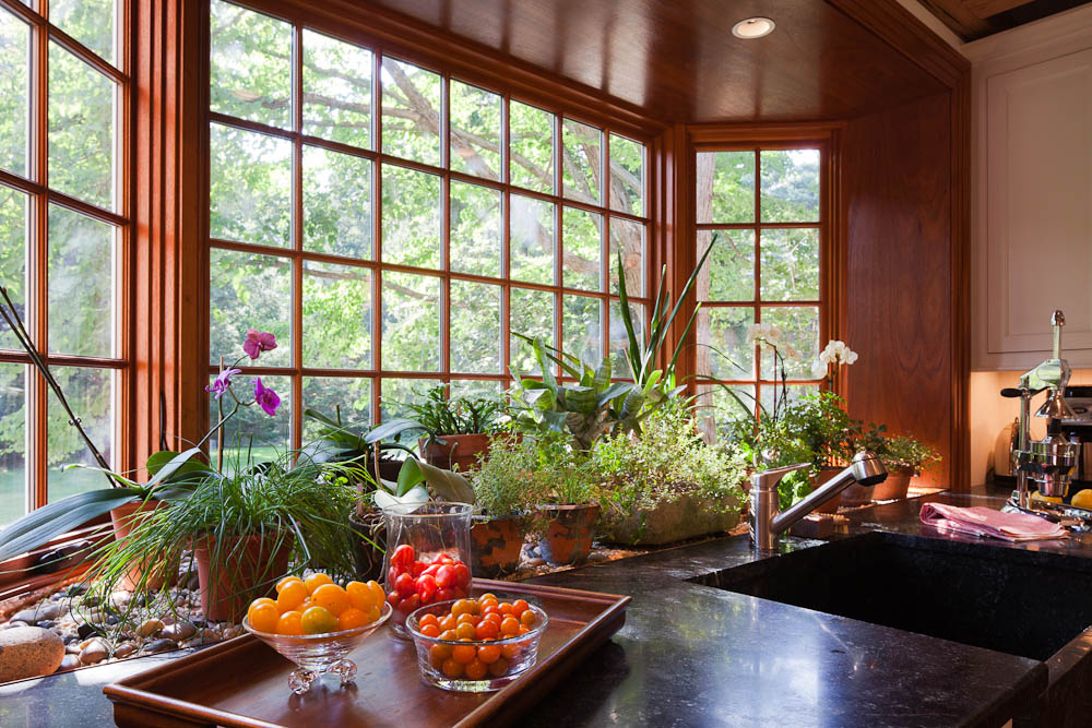 3 Wilm Dedham kitchen bay window close-up.jpg