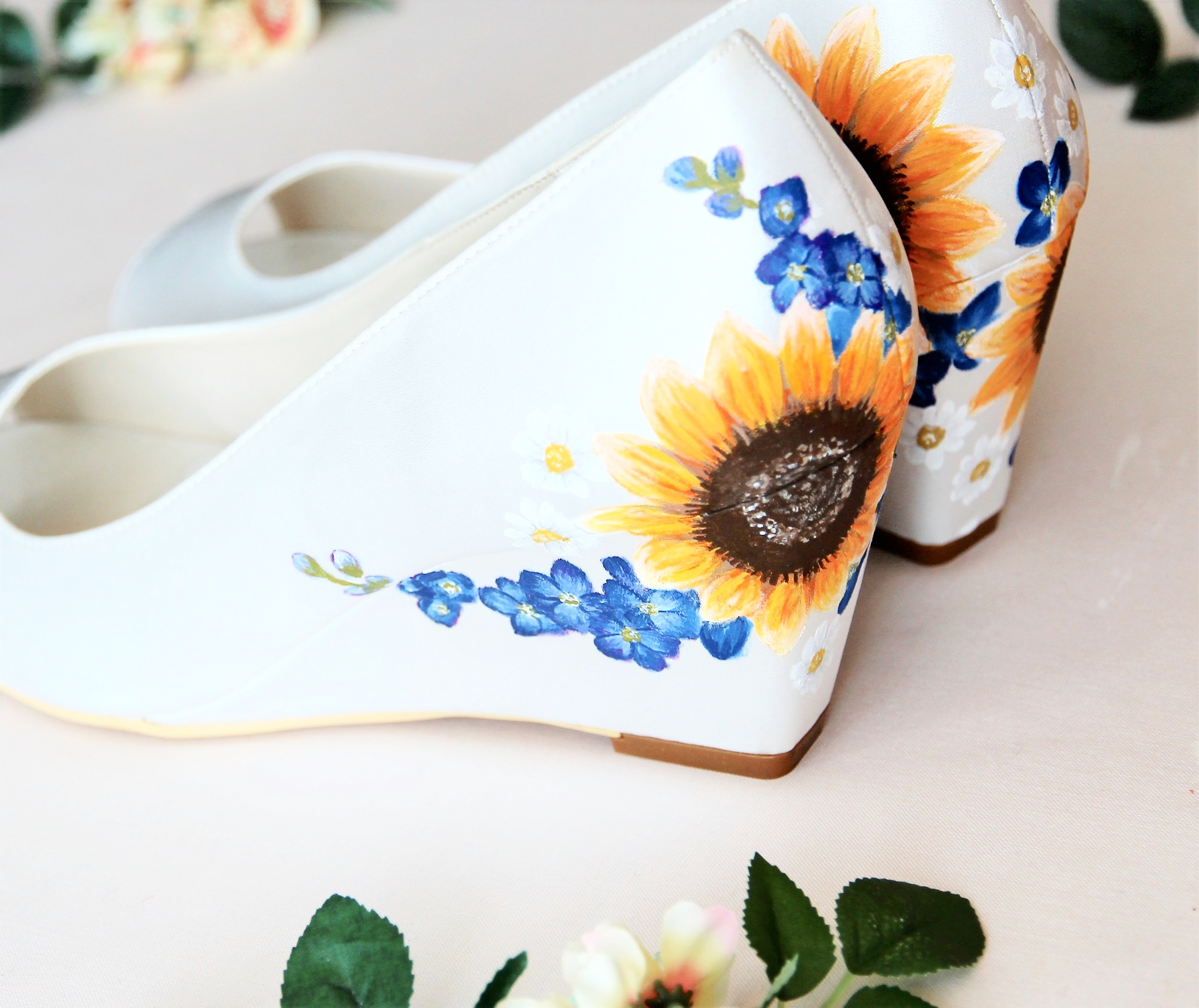 Sunflower and delphinium wedding wedges
