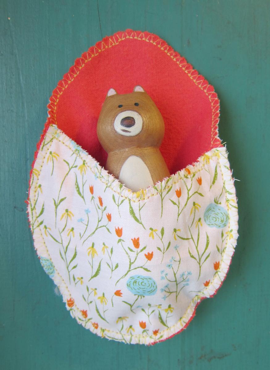 Daisy Bear in Flower Pouch (SOLD)