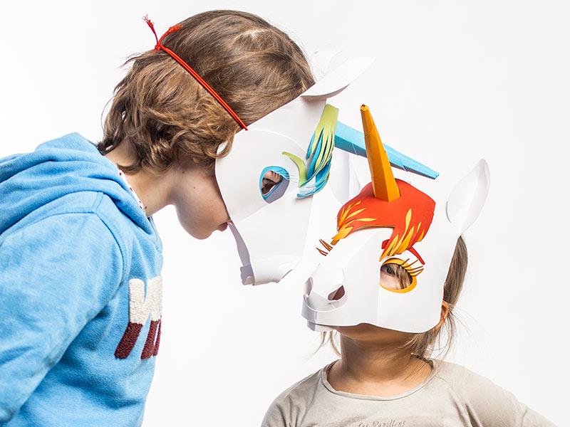 ....Sobald Du und Deine Freundinnen sich in Einhörner verwandeln, ist jede Langeweile wie weggepustet – denn Einhörnern fällt ja immer was Lustiges ein. ..When you and your friends become real unicorns, boredom will be blown away. Because unicorns never run out of funny ideas. ....