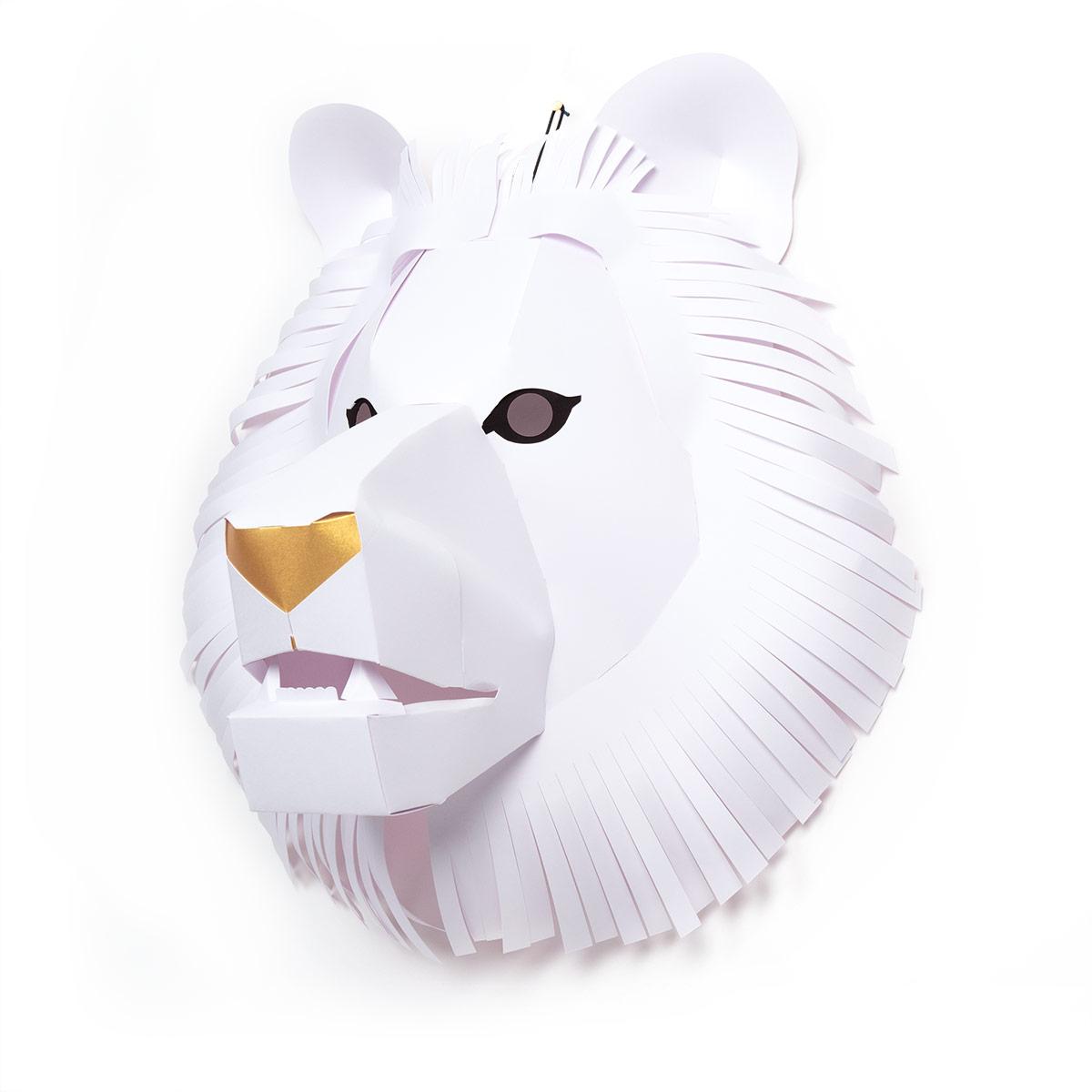 Trophy2018-Lion_M_WHT_side.jpg