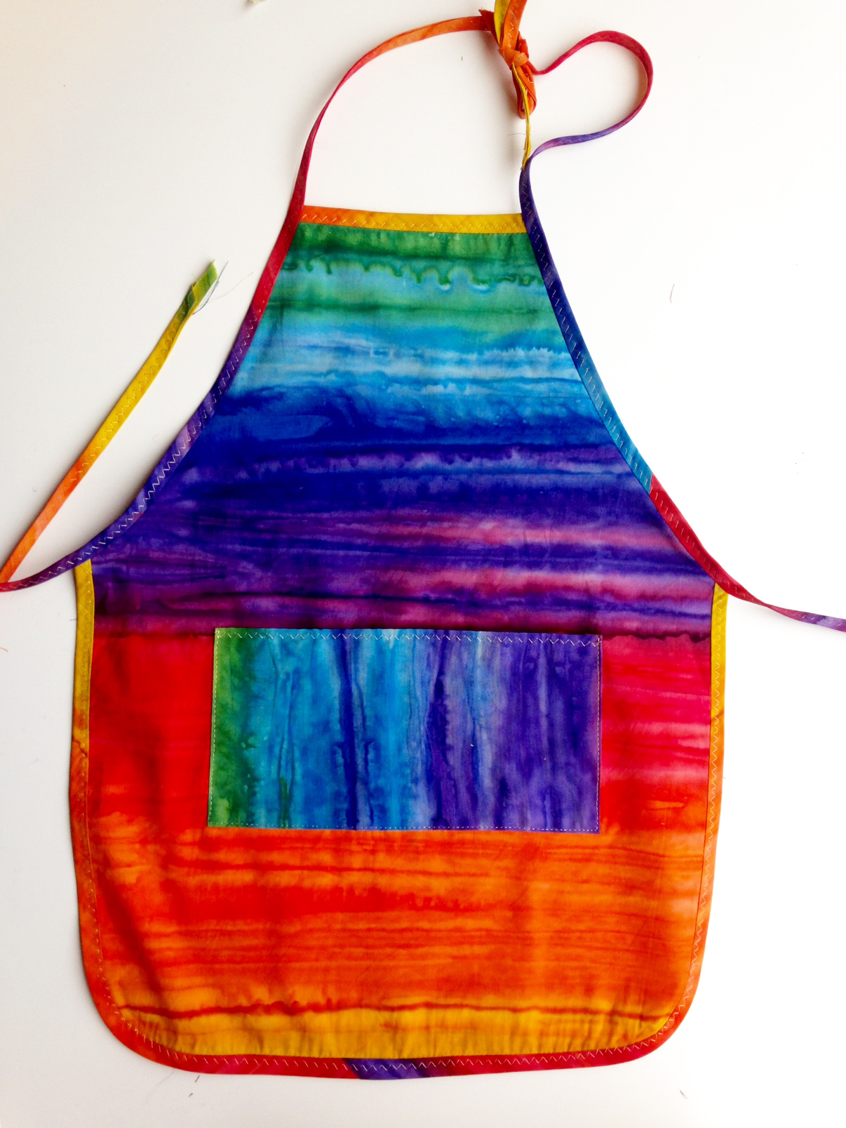 rainbowapron1.jpg
