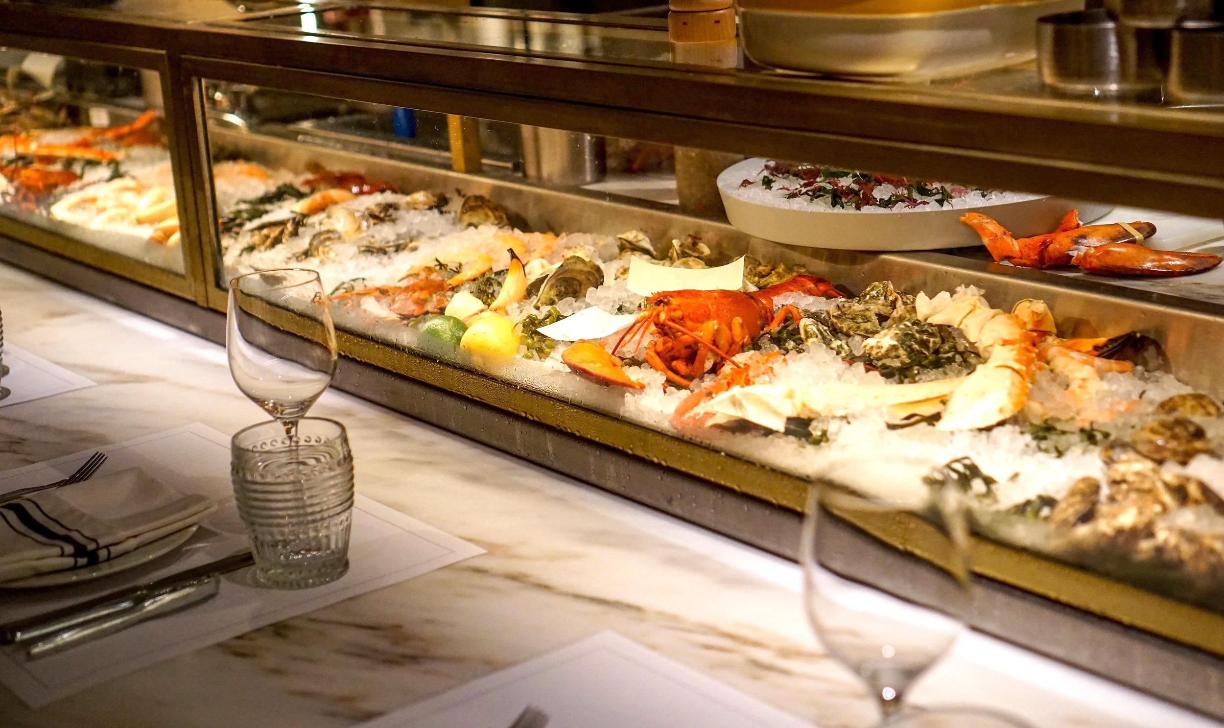 Point Royal Diplomat Resort Raw Bar
