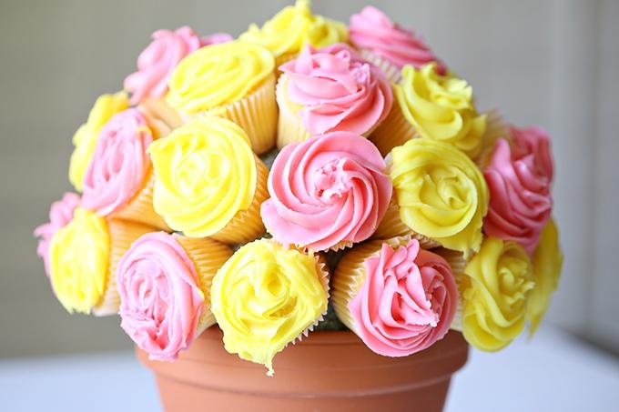 Flower-Cupcake-Bouquet-8-copy (1).jpg