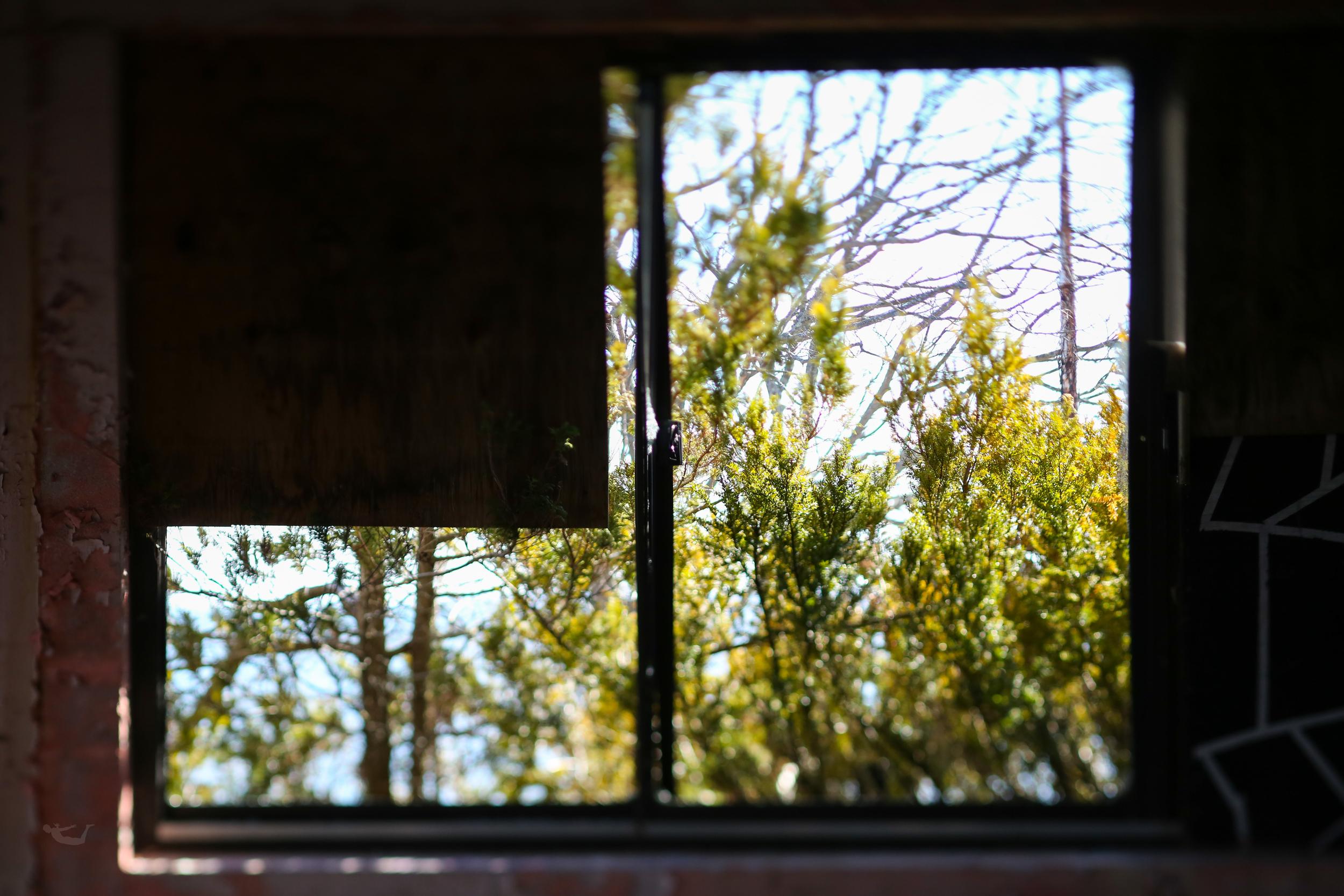 abandoned.spaces.broken.windows.jpg