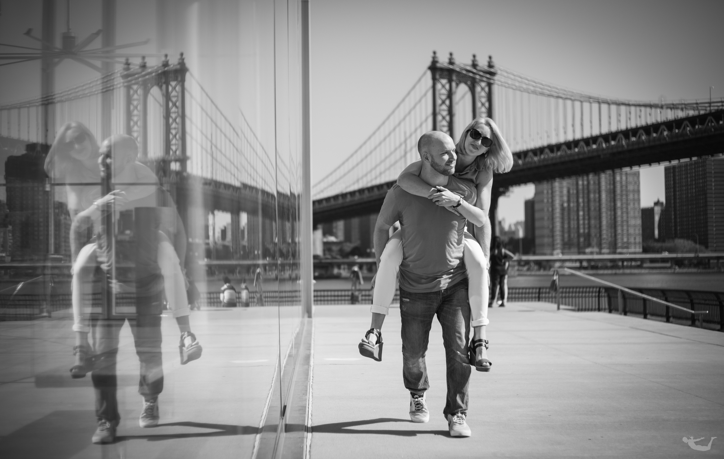 Brooklyn Bridge Engagements-2.jpg