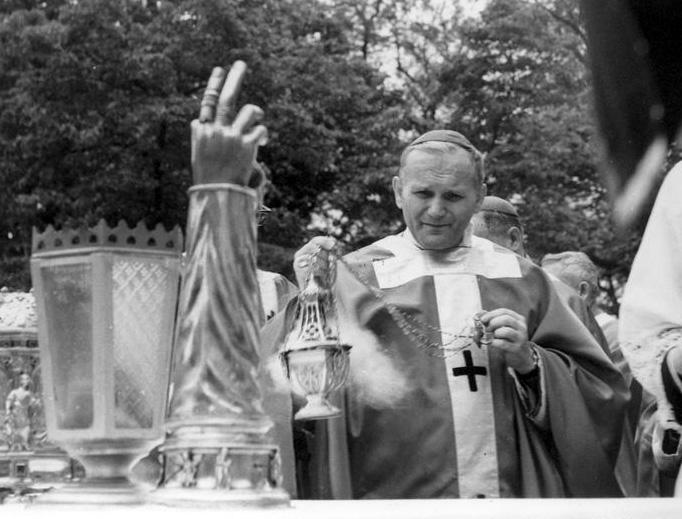Archbishop Karol Wojtyła, the future Pope St. John Paul II, censes the altar at Mass in 1966 (Public domain, via Wikimedia Commons)