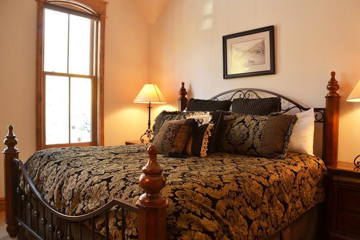 Master-Bedroom10.jpg
