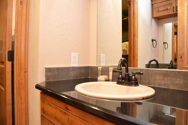 Master-Bathroom7.jpg