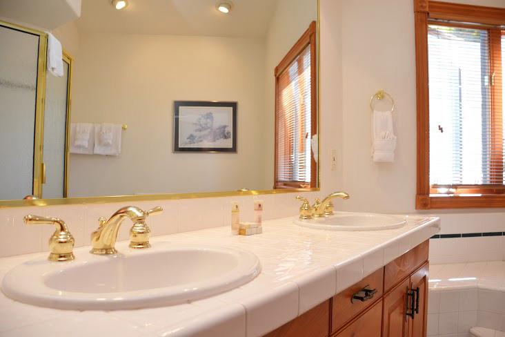 Master-Bathroom136.jpg