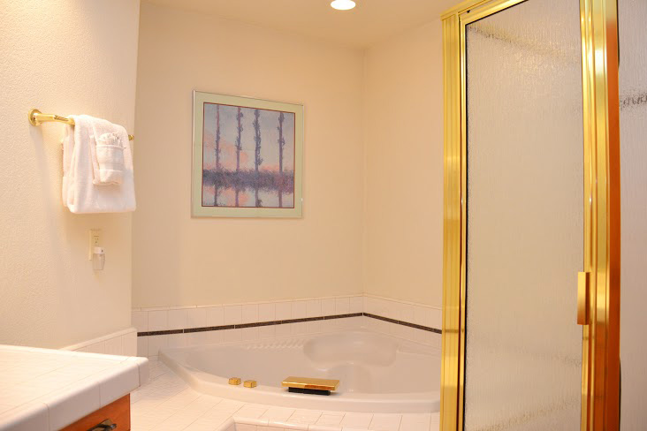 Downstairs-Bathroom2.jpg