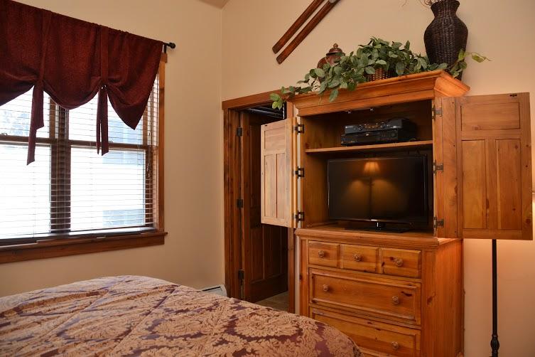 2nd-Bedroom2-6.jpg