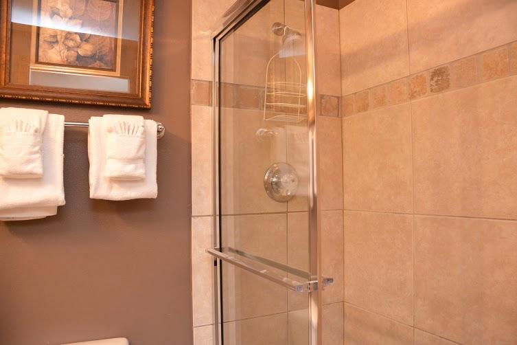 3rd-Bathroom2-2.jpg