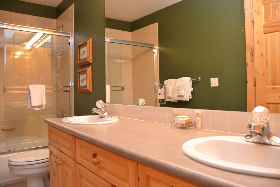 3rd-Bathroom-3.jpg