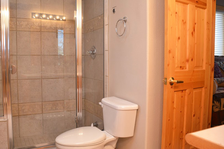 4th-bathroom2-2.jpg