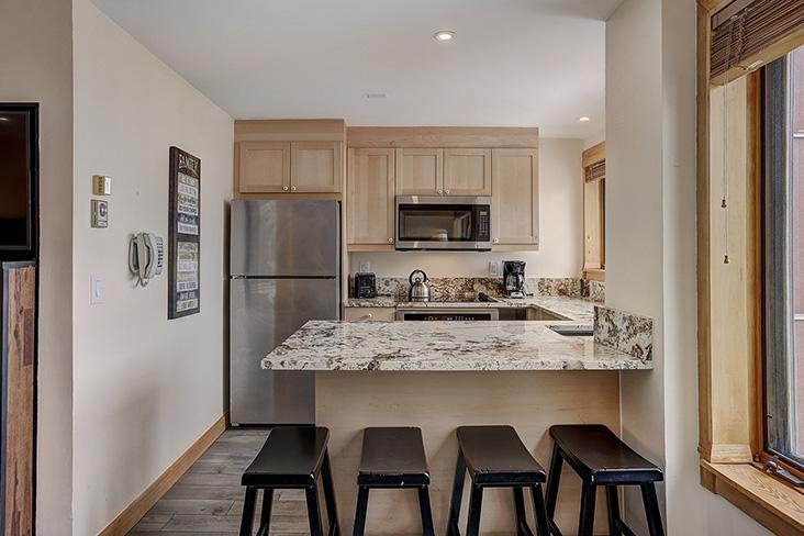 kitchen-dining-area2.jpg