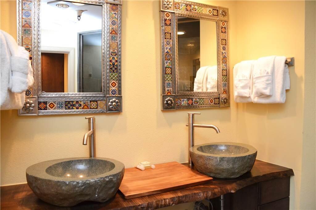 master bathroom 8.jpeg