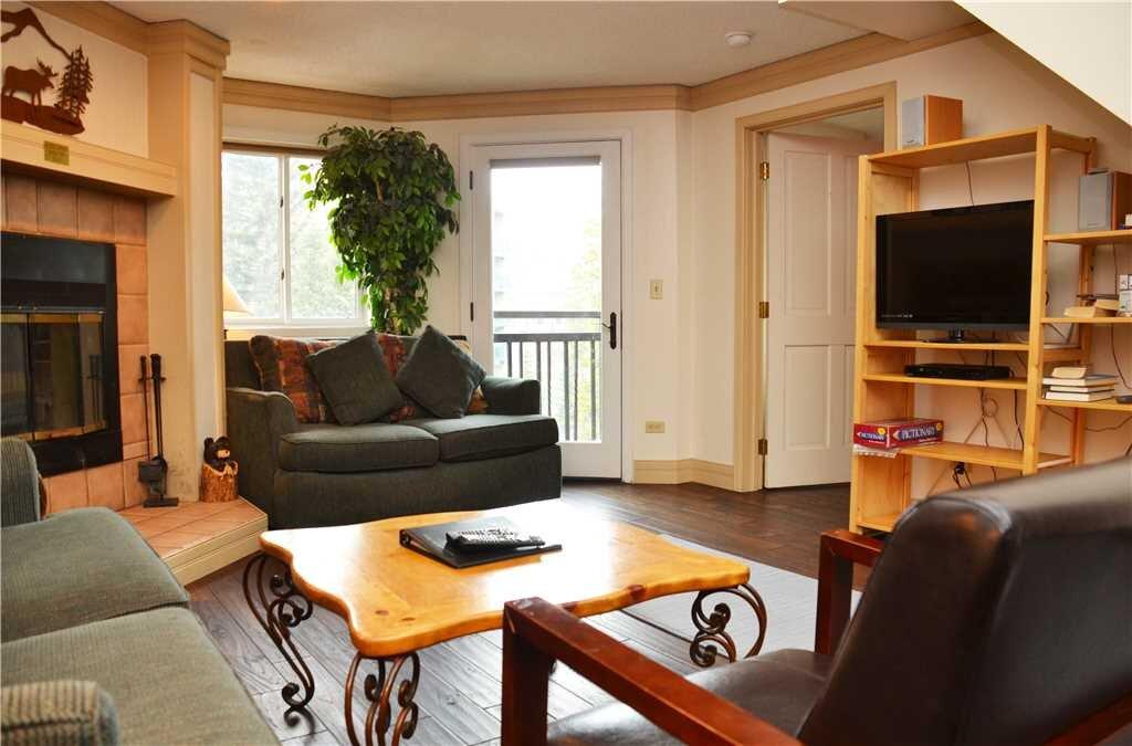 living room area 2.jpeg