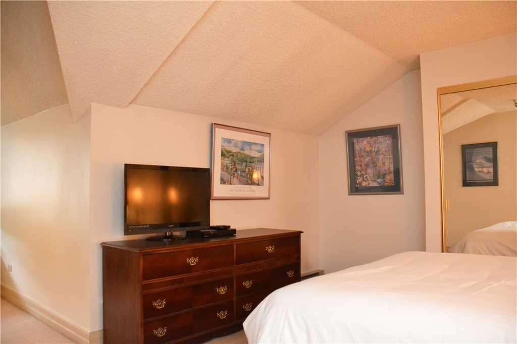 third bedroom (2).jpeg