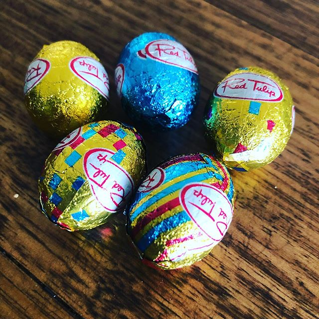 It's an evening for #amwriting rewards.  One of the precious few remaining eggs for every 200w 🍫  #chocolate #eastereggs #loveozya #aussieauthor