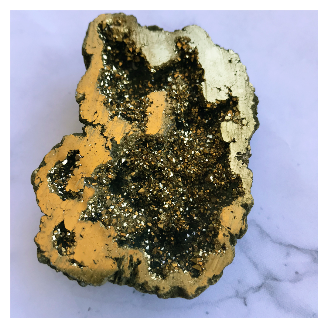 Geode and gold size 7.5