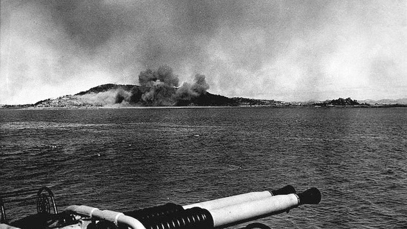 wolmido-under-bombardment-on-13-september-1950-korean-war_800.jpg
