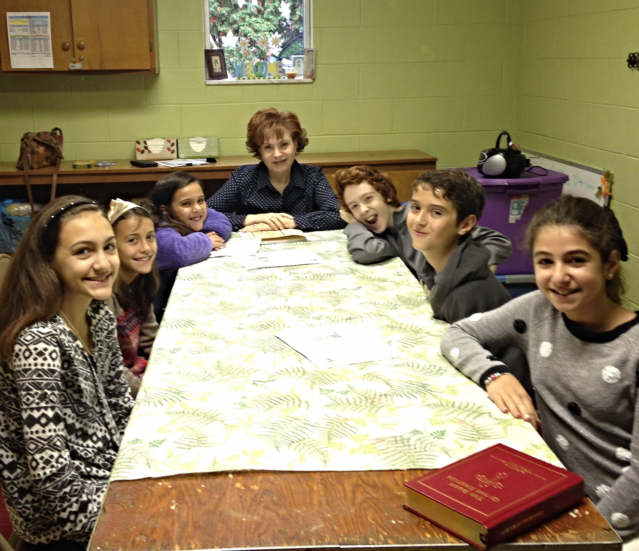 Sunday School  Held every Sunday morning at 9:30am.  The faith of the Orthodox Church is taught to all children from age 3 through high school.