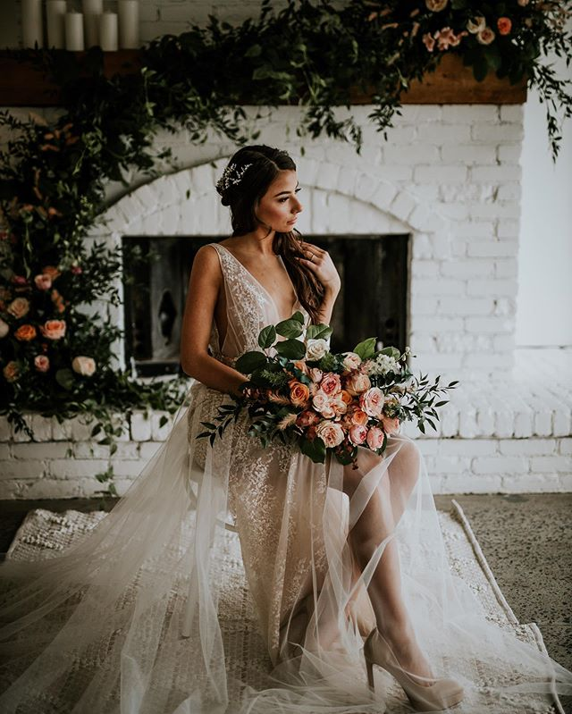 Had the amazing opportunity to work with some incredible people in the industry at the new umbrella room, right next to lago on Dow's lake. I'm excited to share more soon!! Thanks to all of the incredible vendors and our fabulous model.  Event Planner: @maverickeventplanning Venue: @umbrellaottawa Decor & Flowers: @thegatheringeventco Hair & Make-up @erinheatherbridal Wedding Dress @fairydreams.bridal Jewelry and hair accessories @sugarcaneandco Cake : @dulcecouturecakes Stationery: @wishtree_invites Place Cards: @dazedandlettered Model: @patriceraikova . . . #Bcweddingphotographer #Albertaweddingphotographer #Kelownaweddingphotographer #Weddingblog #Weddingplanning #Hippiebride #dirtybootsandmessyhair #weddingseason  #bride #thewandererscommunity #lookslikefilmweddings #intimatewedding #bohowedding #destinationweddings #photobugcommunity #ottawawedding #kelownawedd#kelownawedding