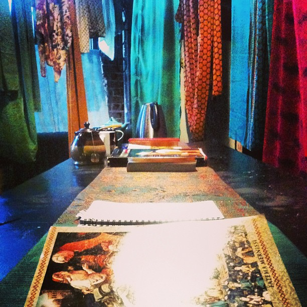 TKaV studio set.jpg