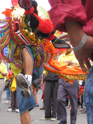 Taiwan- dragon dance.jpg