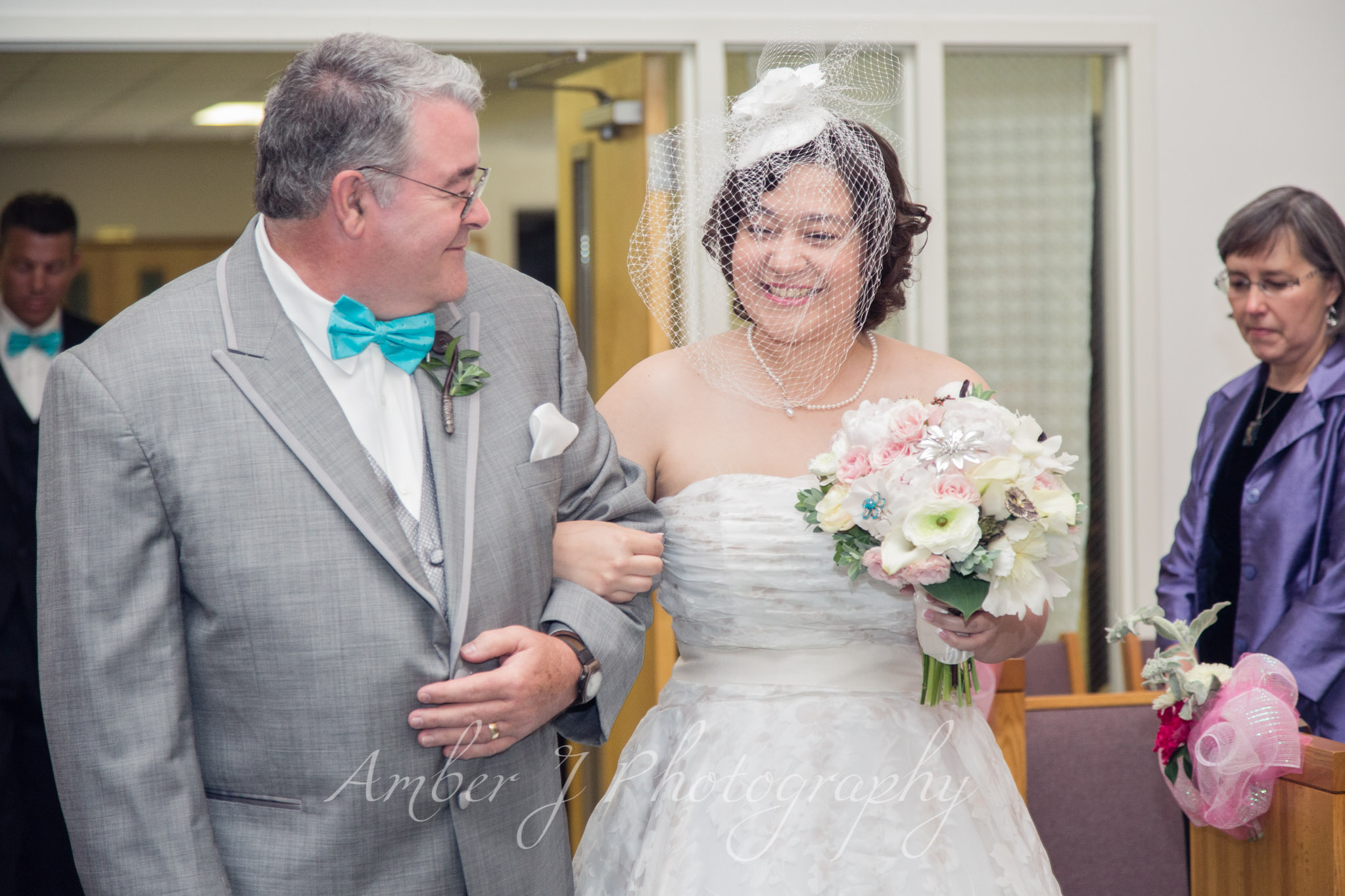 Sommer_Wedding_AmberJphotography_07.jpg