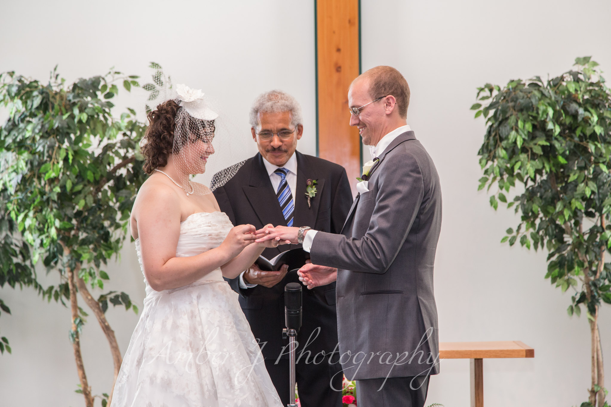 Sommer_Wedding_AmberJphotography_12.jpg