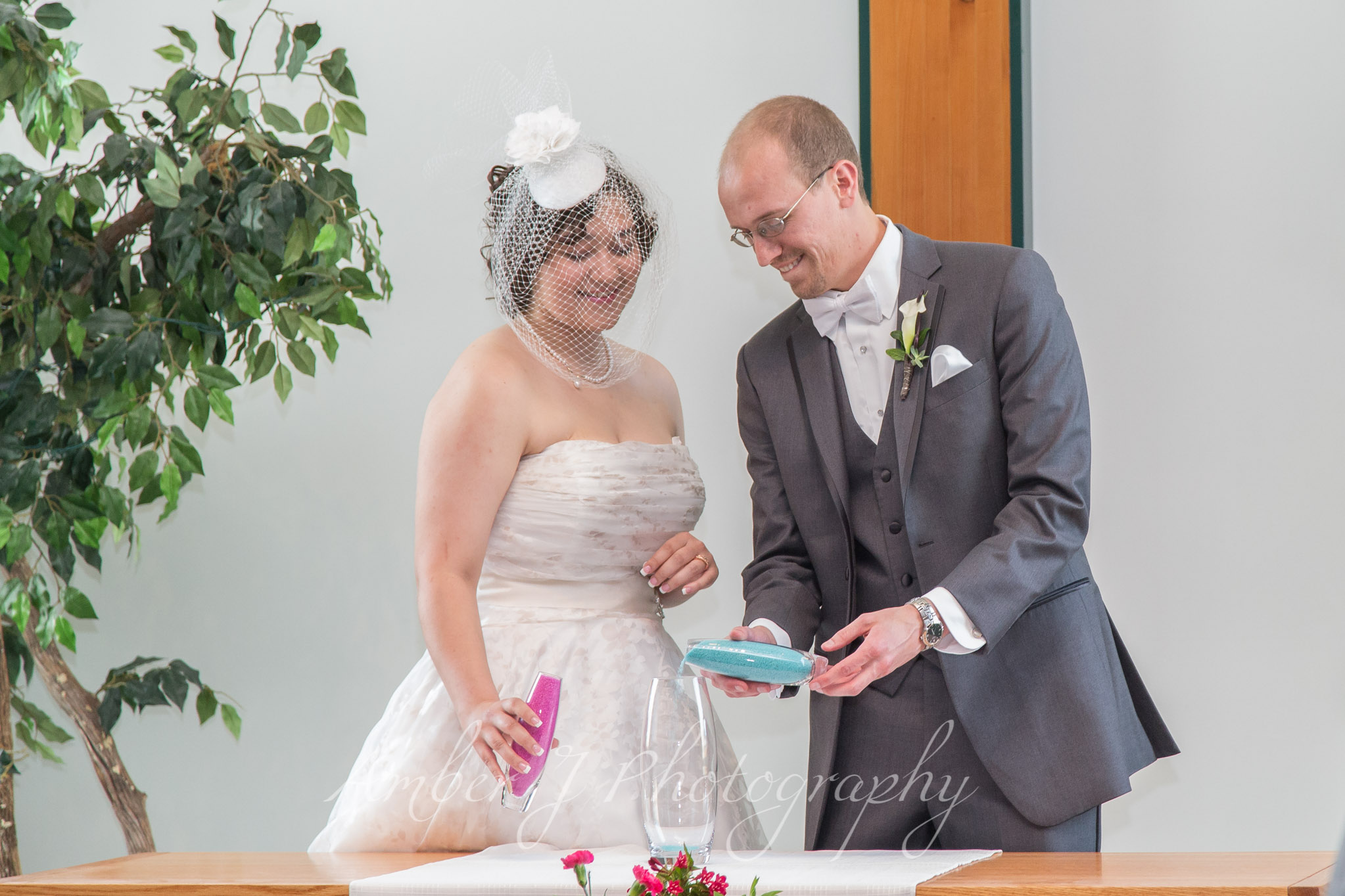 Sommer_Wedding_AmberJphotography_13.jpg