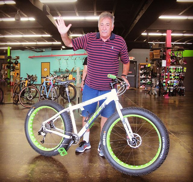 "Farewell Dave ""the Rave""! Dave's 11th bike is a @salsacycles #salsamukluk with vibrant green accents.  Congrats & #happynewbikeday to you, Dave! *Dave's bike total = 15 (11 for Dave; 4 for family) • • #salsacycles #salsamukluk #fatbike #bikephl #bikephilly #brevsdrave #bike11 #newbikeday"