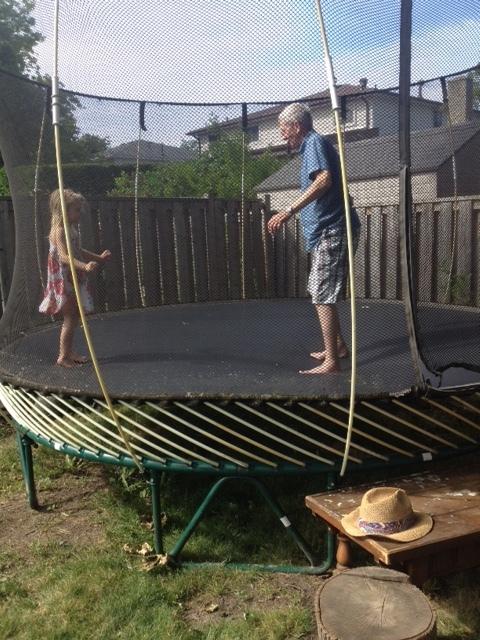 Lift your legs, Pop Pop !! Jump !!