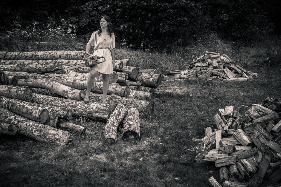 Sally Manikian as Artemis