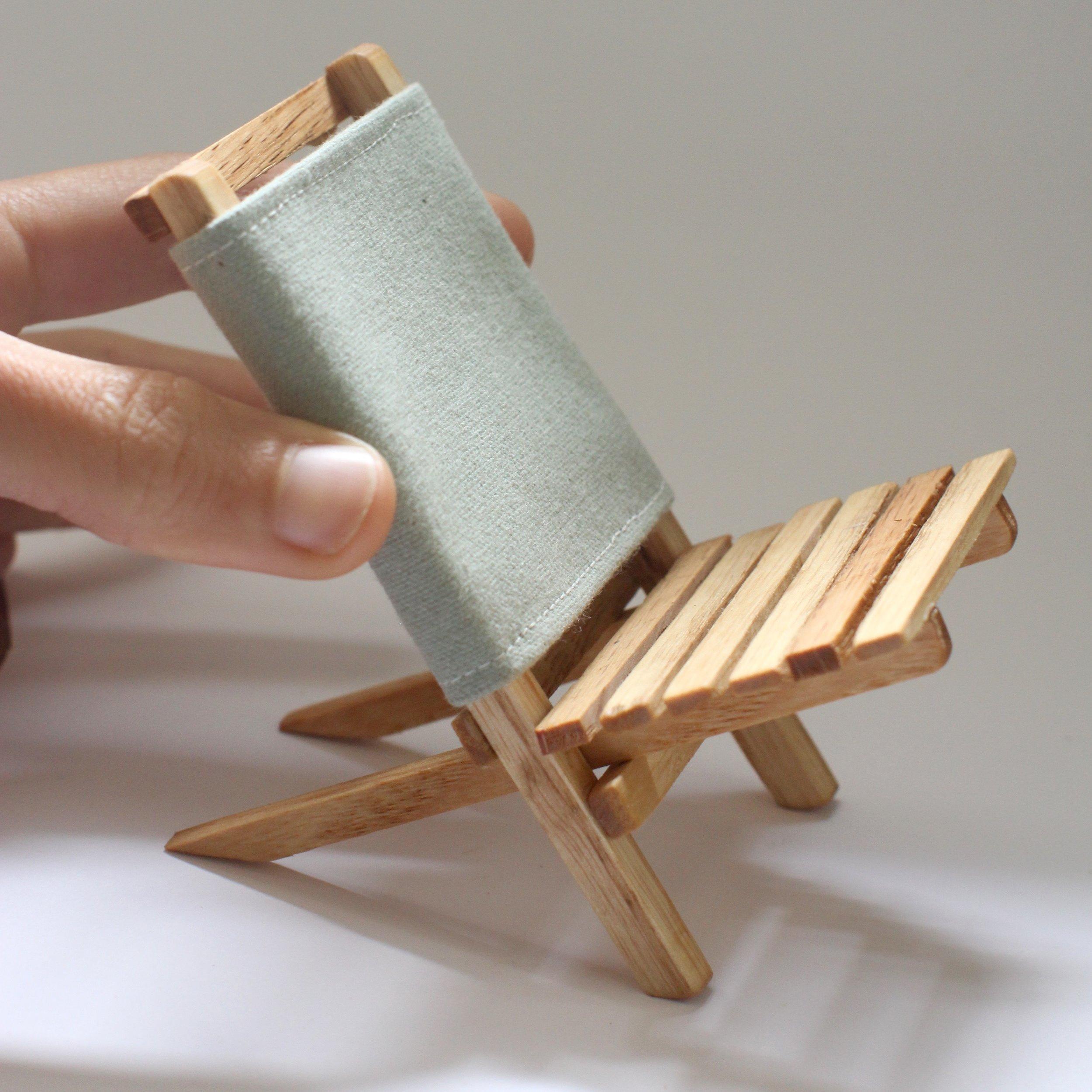 Folding chair.jpg