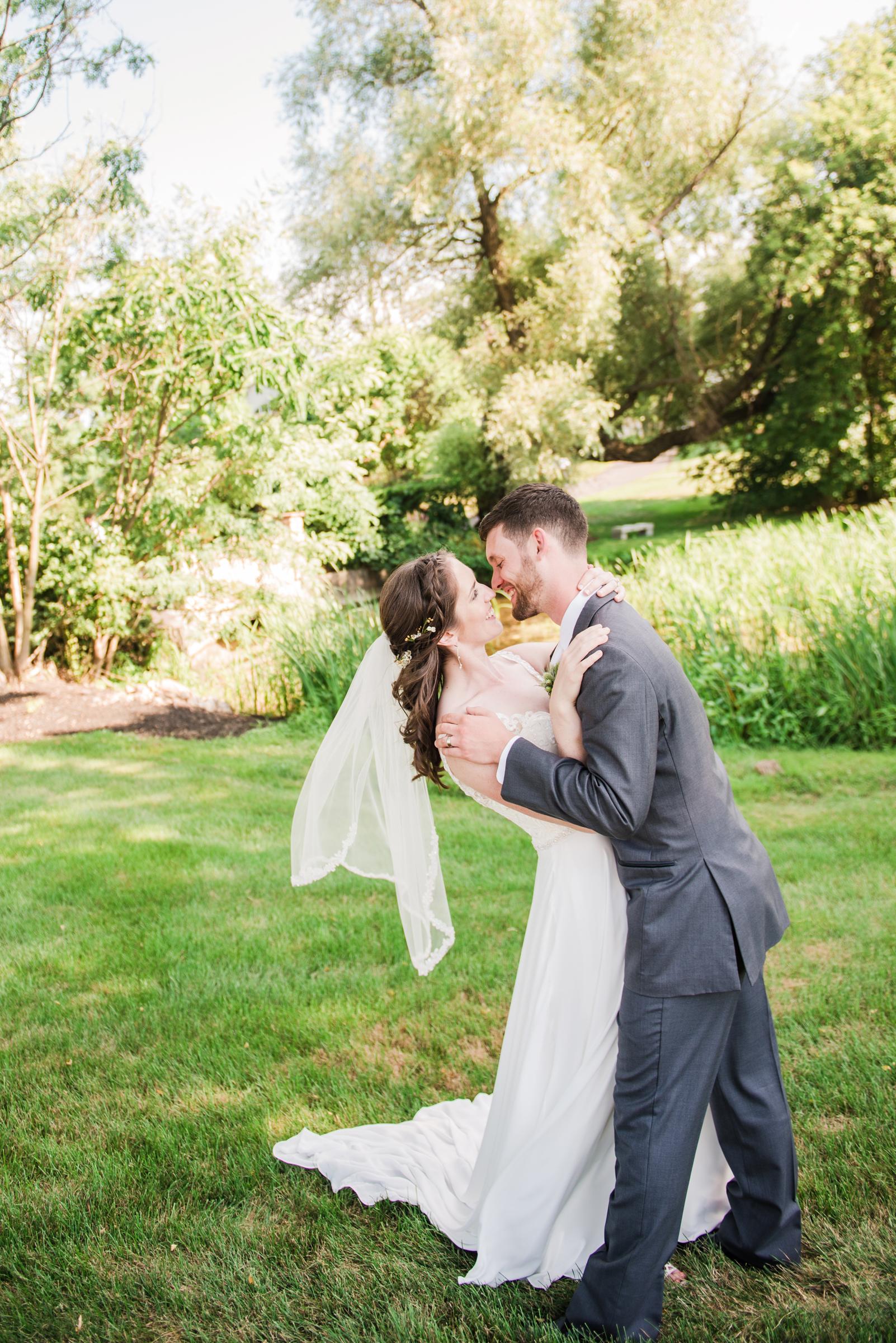 Jerris_Wadsworth_Wedding_Barn_Rochester_Wedding_JILL_STUDIO_Rochester_NY_Photographer_DSC_2776.jpg