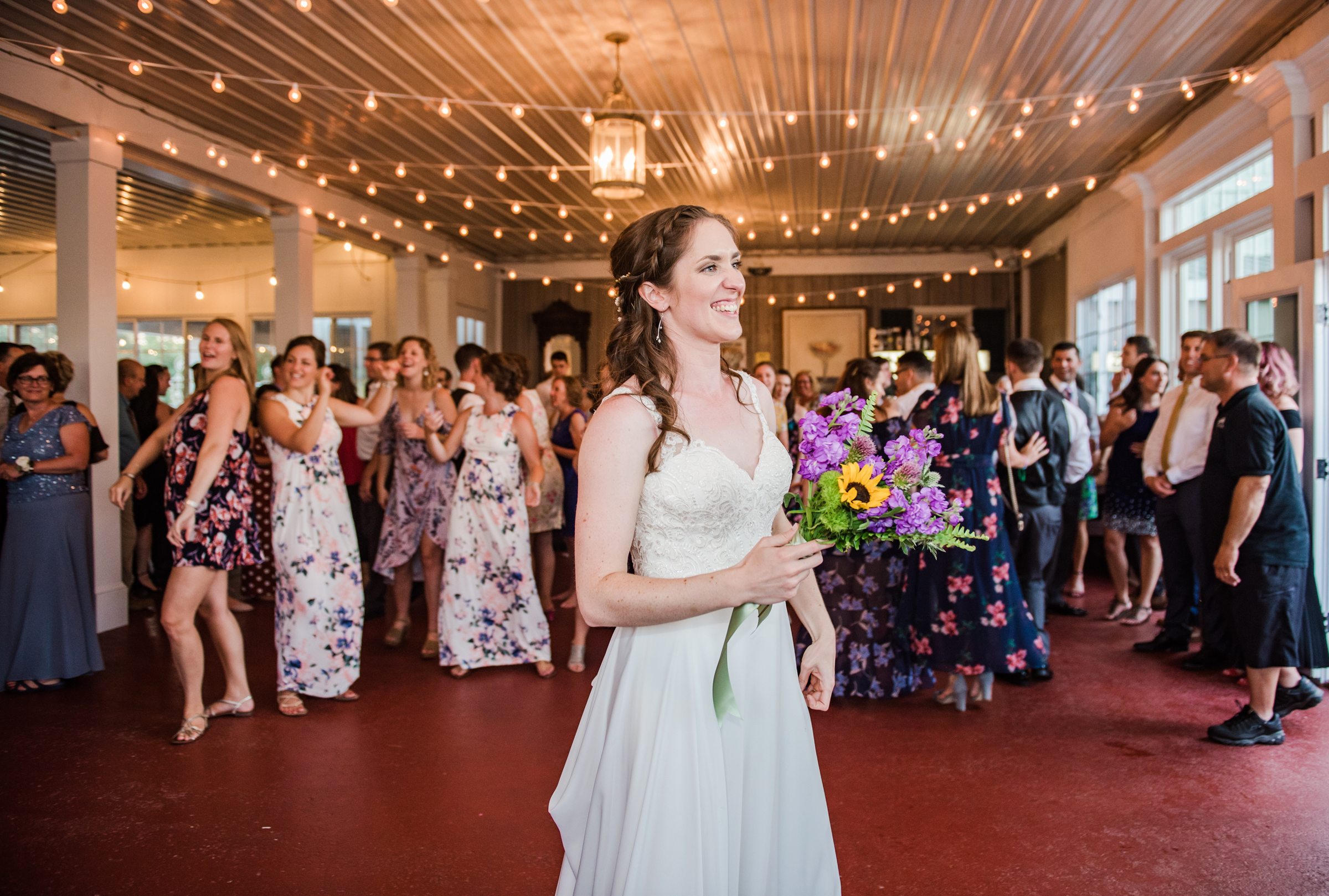 Jerris_Wadsworth_Wedding_Barn_Rochester_Wedding_JILL_STUDIO_Rochester_NY_Photographer_DSC_3055.jpg