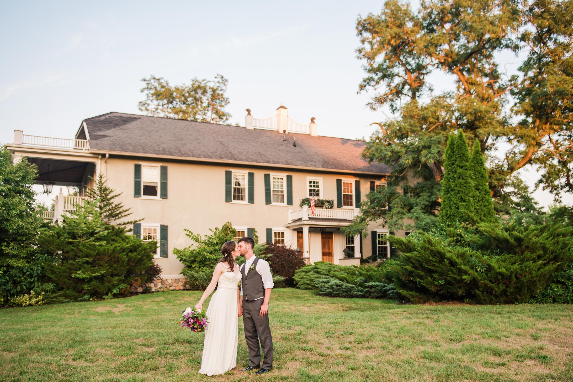 Jerris_Wadsworth_Wedding_Barn_Rochester_Wedding_JILL_STUDIO_Rochester_NY_Photographer_DSC_3085.jpg