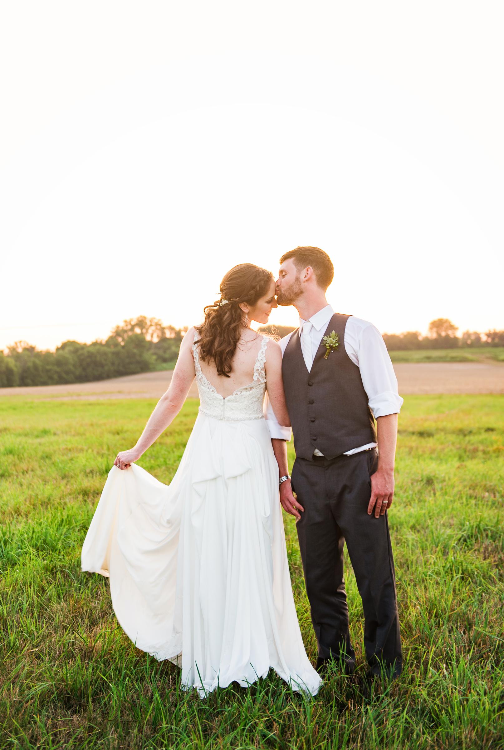 Jerris_Wadsworth_Wedding_Barn_Rochester_Wedding_JILL_STUDIO_Rochester_NY_Photographer_DSC_3094.jpg